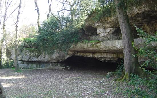 Aiguefonde, grotte de Lacalm